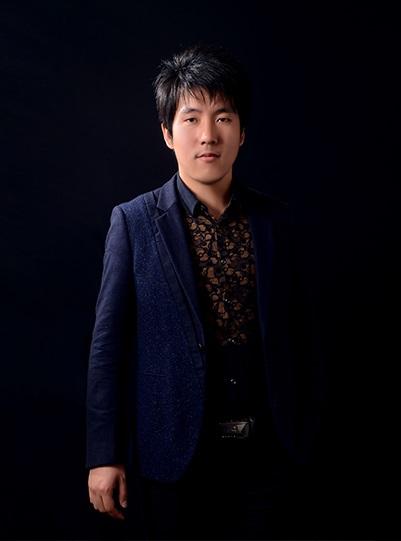 设计专家   李峰