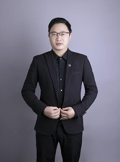 设计总监   蒋亮亮